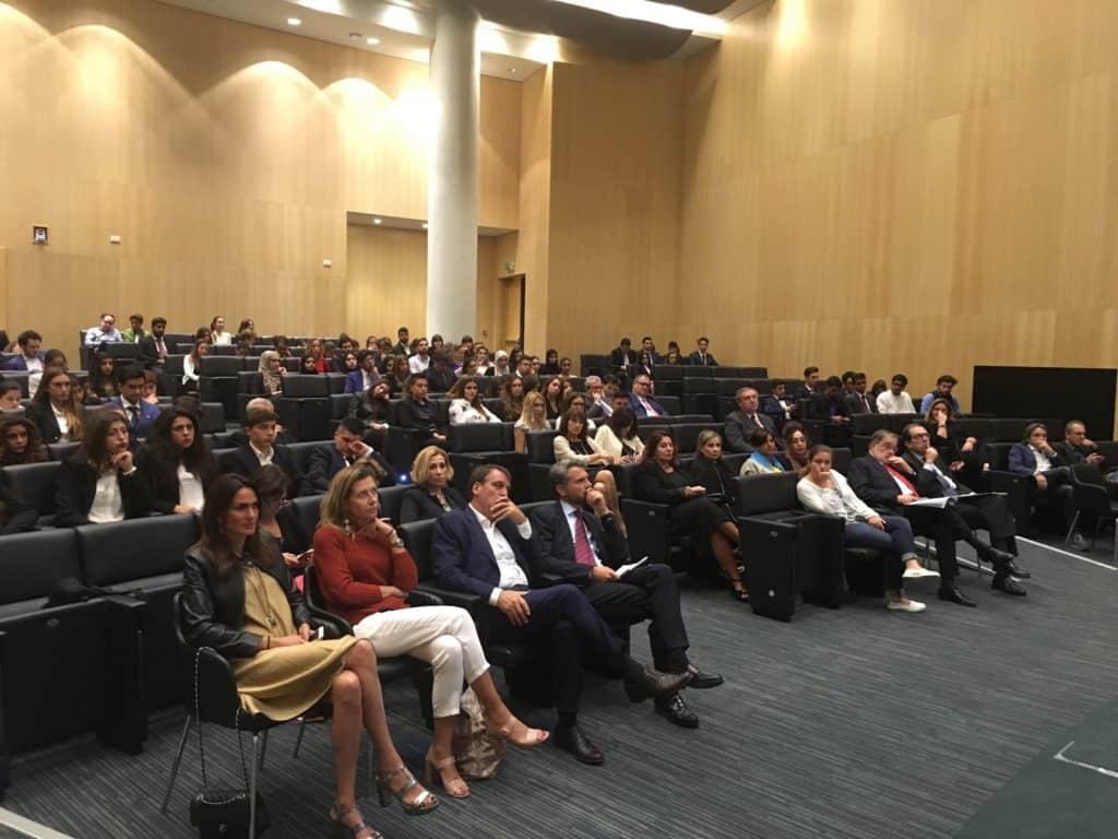 Studenti ed advisors insieme alla NYU per la cerimonia di apertura del CWMUN Emirates 2016