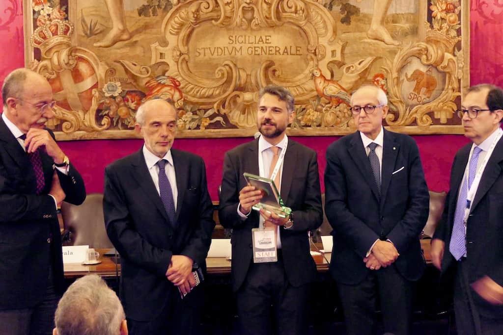 fa095ffefb Diplomatici è la più importante scuola di formazione italiana per ragazzi  che vogliono intraprendere la carriera internazionale.